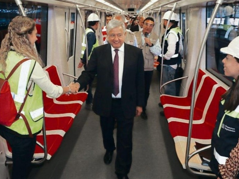 Sí habrá presupuesto para Línea 4 del Tren Ligero: AMLO