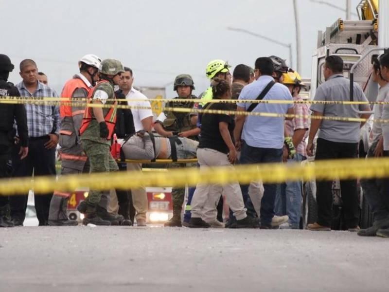 Siete muertos por derrumbe en Monterrey