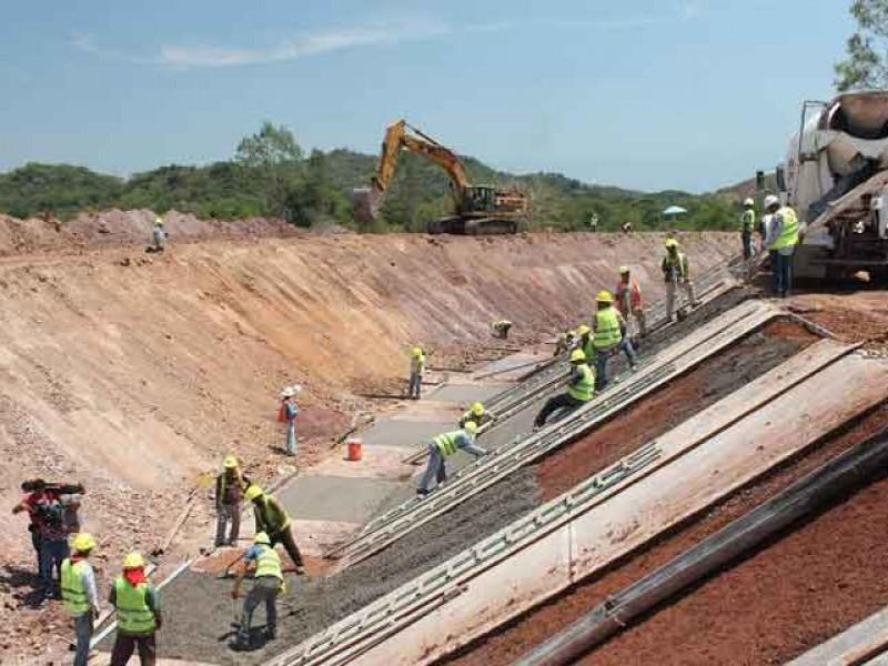 Sigue construcción del Canal Centenario