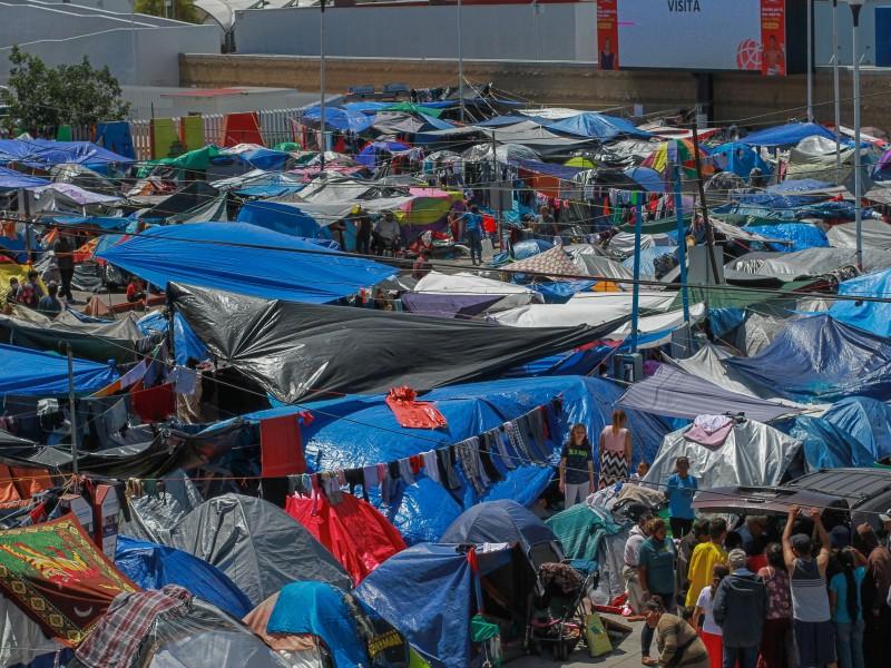 Sigue creciendo campamento de migrantes en Tijuana