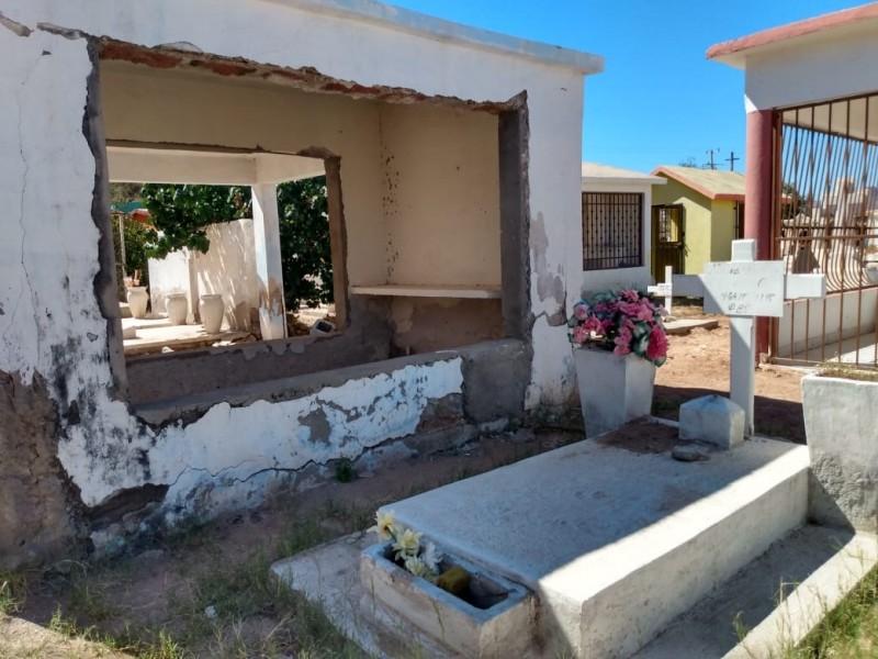 Sigue daños en tumbas de Panteón Empalmense