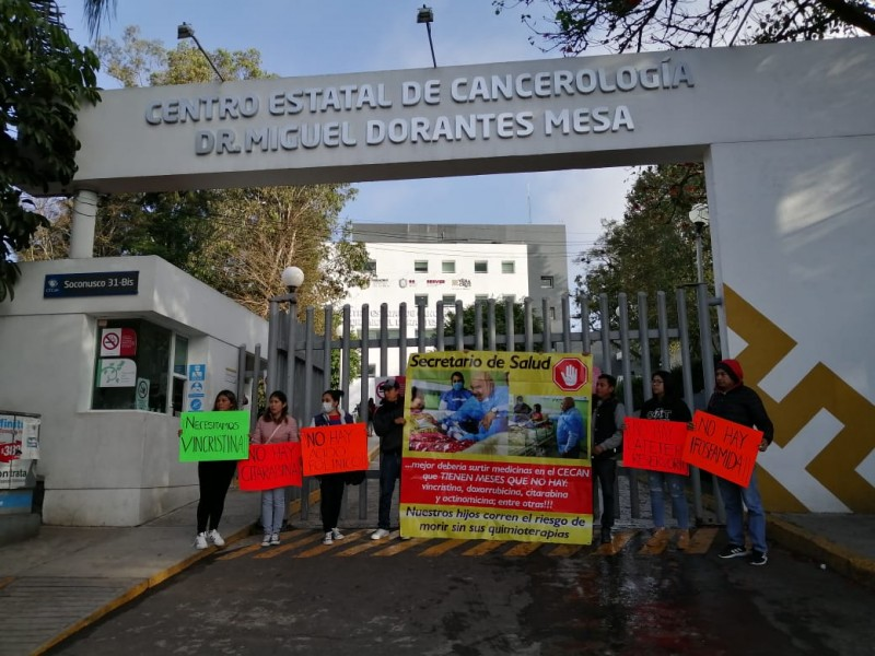 Reclaman desabasto de medicamentos oncológicos en Veracruz