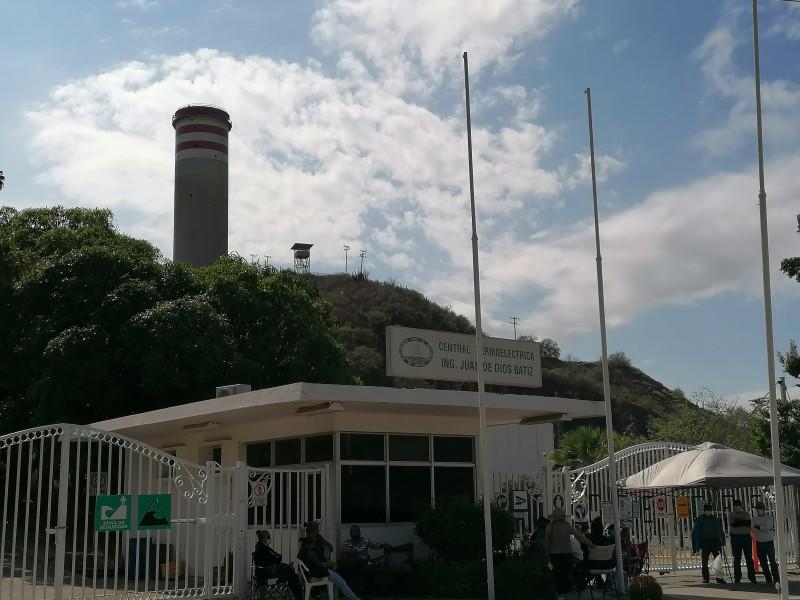 Sigue lucha contra Comisión Federal de Electricidad en Topolobampo