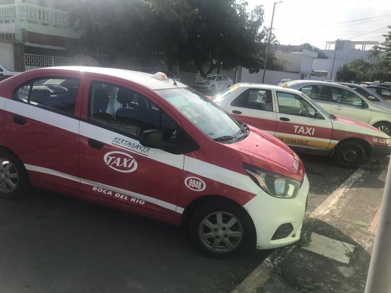 Sigue sin repuntar los servicios de taxis en Veracruz