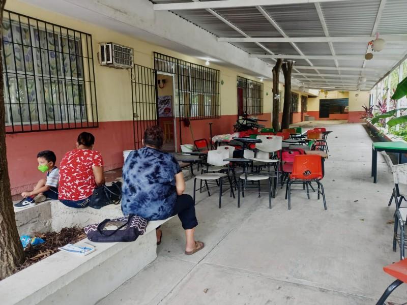 Siguen las clases virtuales en escuelas de Tuxpan