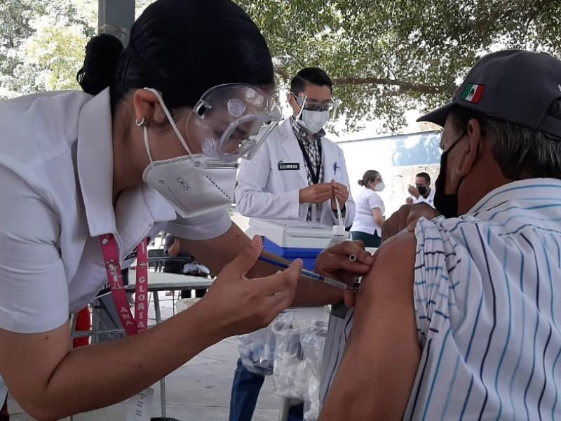 Siguientes vacunados serán personas con alguna condición de salud