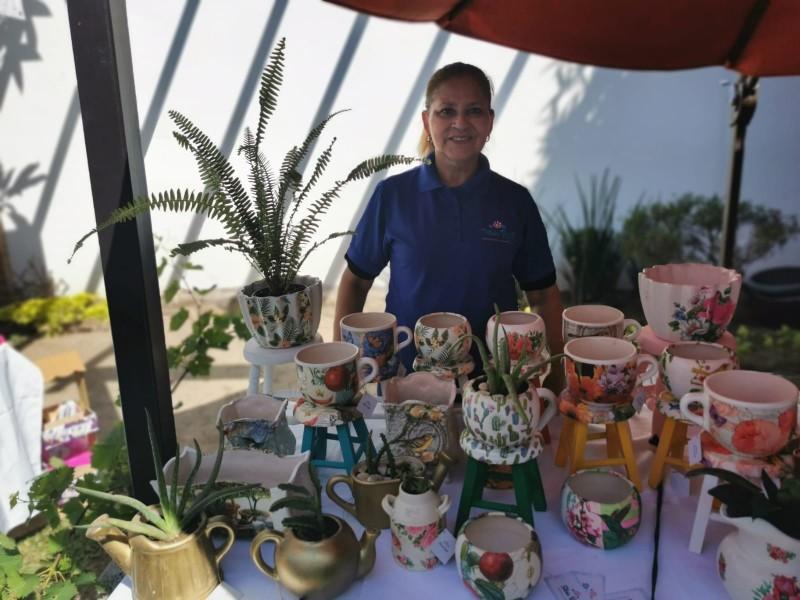 Silvia Morales volvió la decoración de cerámica artesanal su pasión