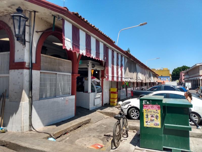 Sin arrancar mantenimiento del mercado Zaragoza de Jiquilpan