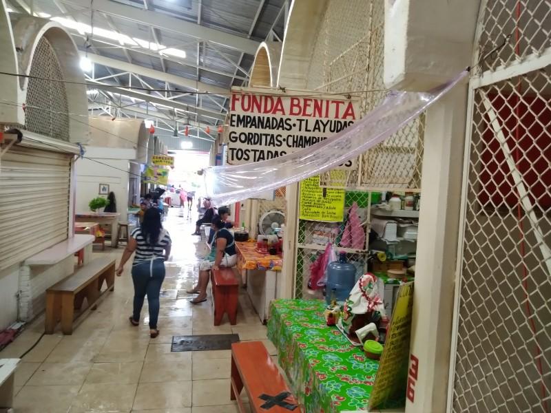 Sin atención área de fondas en mercado de Salina Cruz