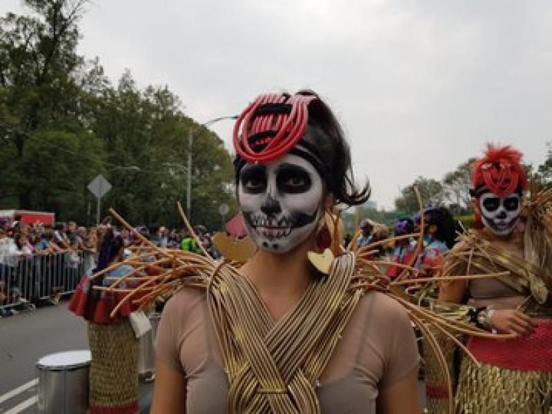 Sin contratiempos, Mega Desfile de Día de Muertos