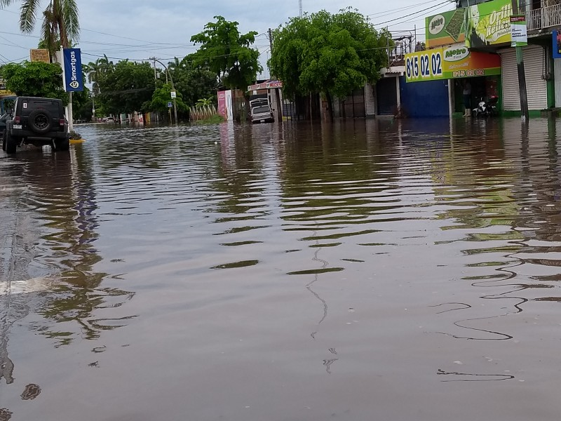 Sin daños graves por intensa lluvia