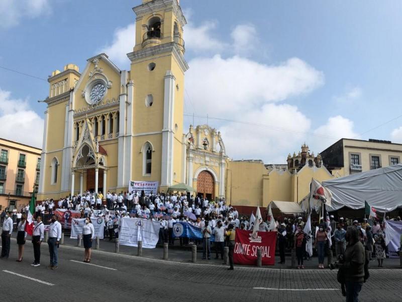 Sin desfile, sindicatos conmemoran el Día del Trabajo en Xalapa
