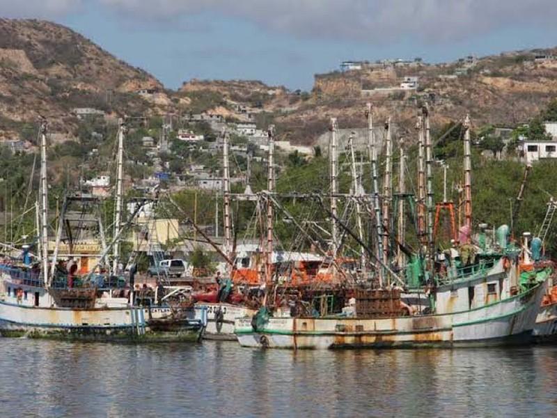 Sin diésel flota pesquera de Salina Cruz