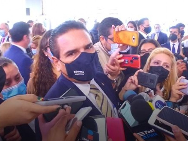 Sin fecha para pagar salarios a profesores michoacanos