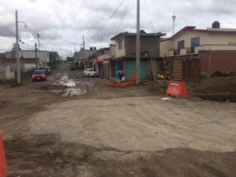 Sin pavimentar calles en colonia 3 Cerritos