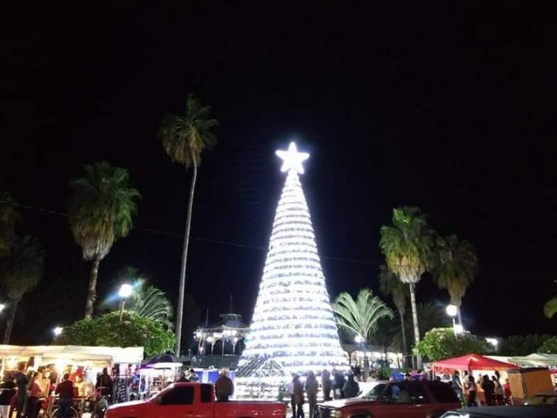 Sin público será encendido el árbol navideño en Xalisco