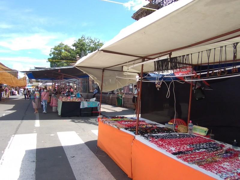 Sin solución, extiende FNLS plantón a avenida Madero