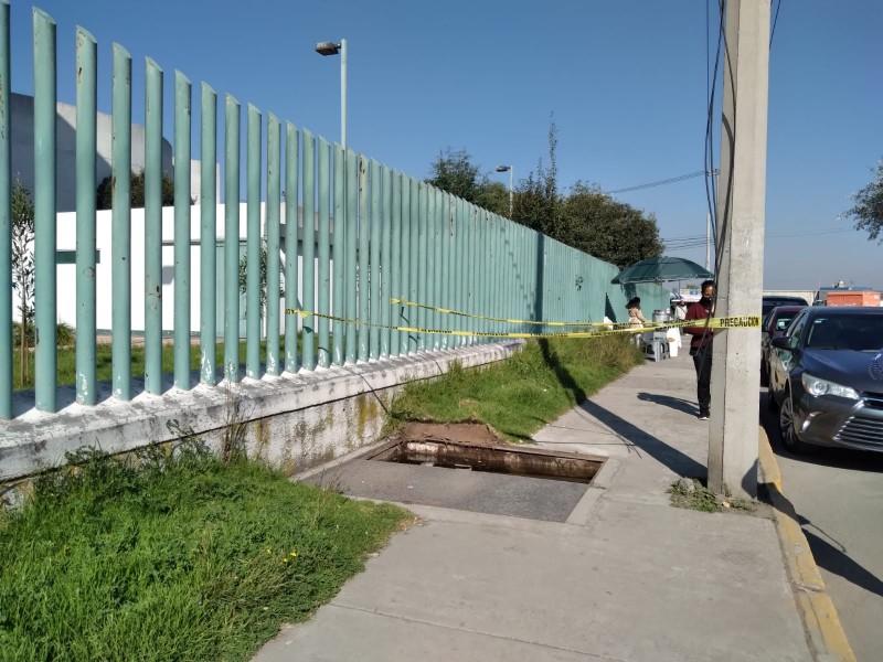 Sin tapa coladera de hospital en Toluca