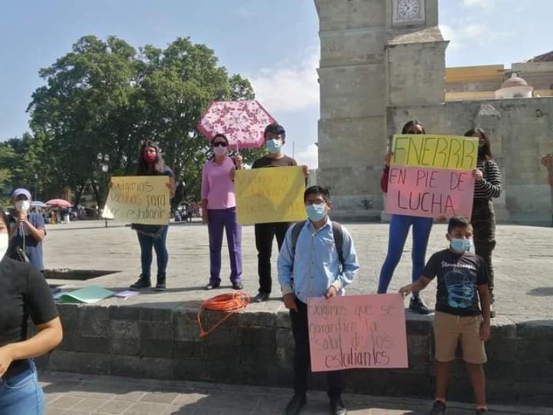 Sin vacunas no hay regreso presencial a clases: FNERRR Oaxaca