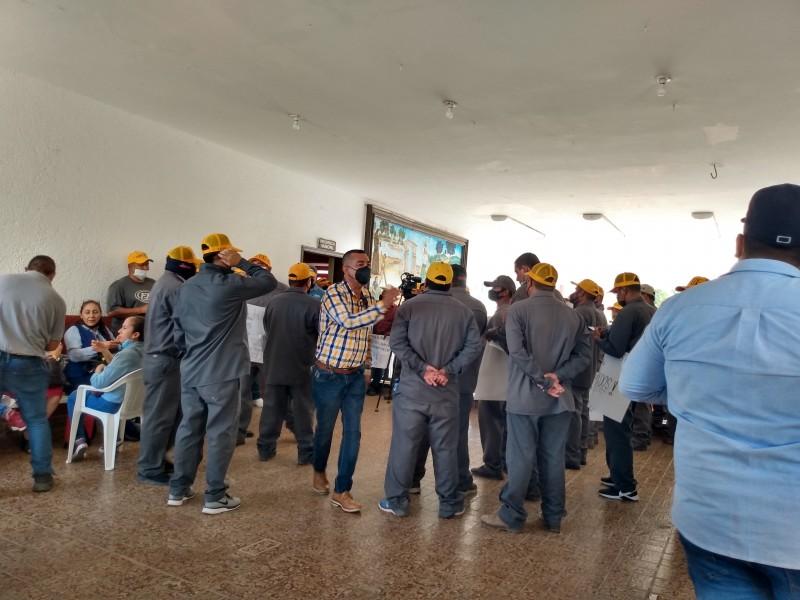 Sindicalizados Jumapag en paro, les deben casi $26MDP