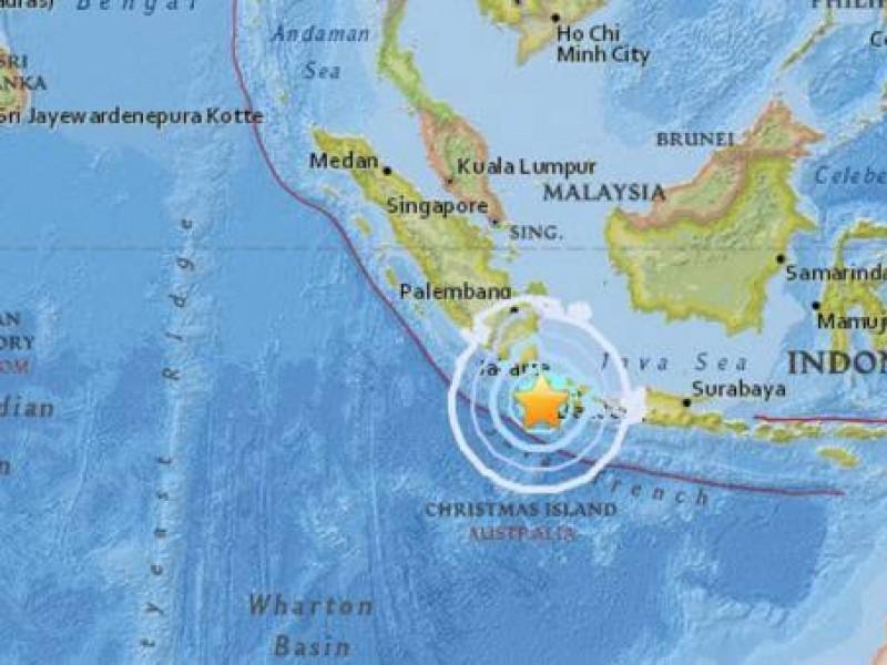 Sismo de 6.1 grados provoca pánico en Indonesia