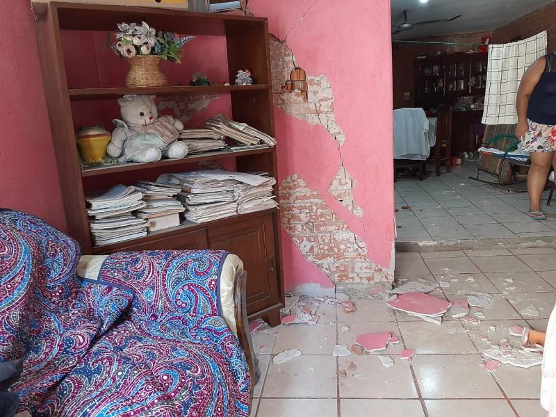 Sismo deja 30 viviendas dañadas en la Crucecita Huatulco
