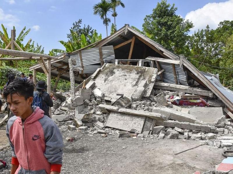 Sismo en Indonesia dejan varios muertos y heridos