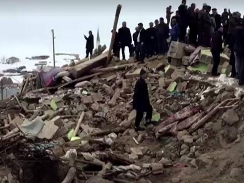 Sismo entre Irán y Turquía deja 9 muertos