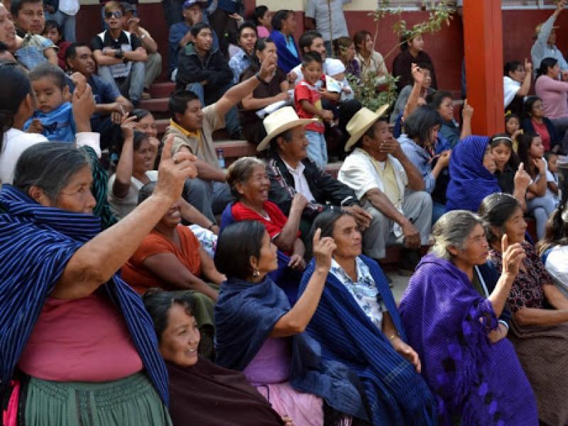Sistemas normativos indígenas se resisten a la paridad de género