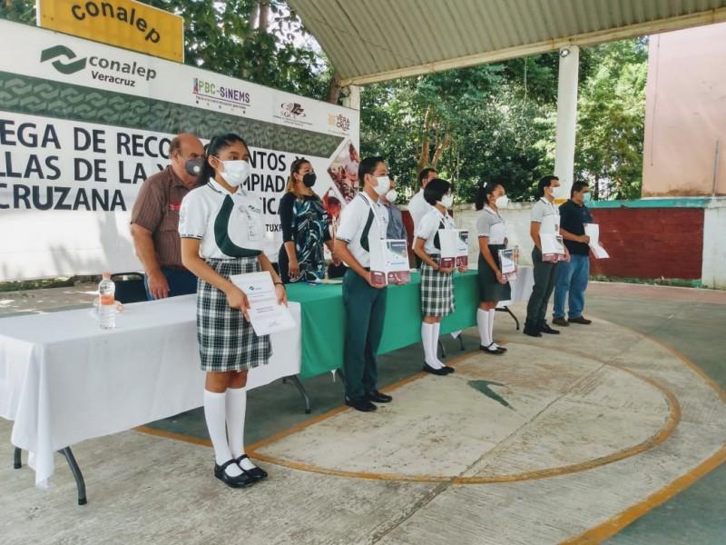 Sobresalen estudiantes de CONALEP en Olimpiada Veracruzana de Informática