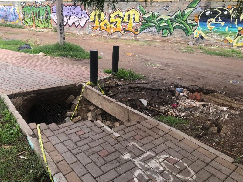 Socavón consume una parte de la ciclovía en Deportiva II