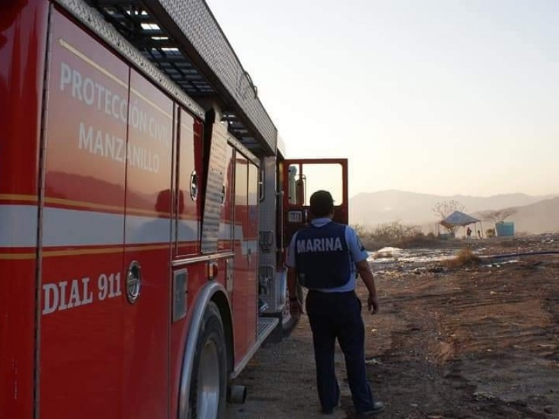 Sofocan incendio en relleno sanitario de Manzanillo
