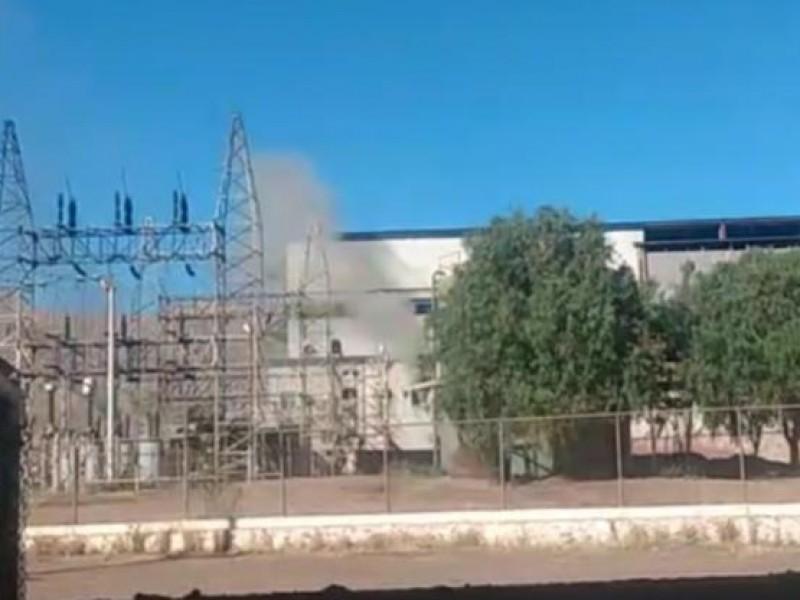 Sofocan incendio en subestación de CFE en Durango