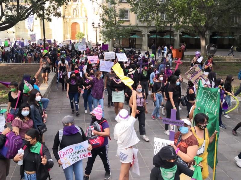 Soledad Jarquin encabeza marcha feminista en Oaxaca
