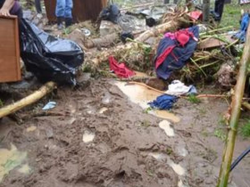 Solicitan ayuda damnificados por huracán Grace en Jilotepec