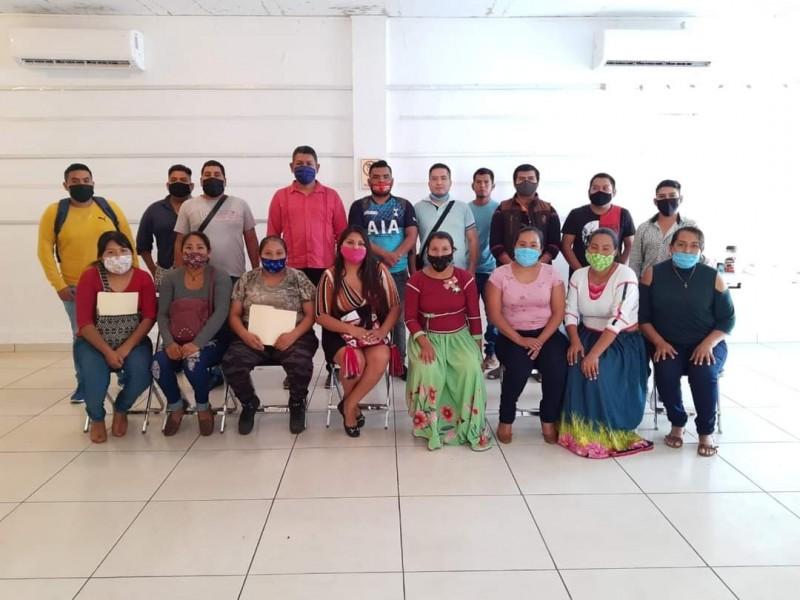 Solicitan maestros indígenas aclarar desaparición de plazas