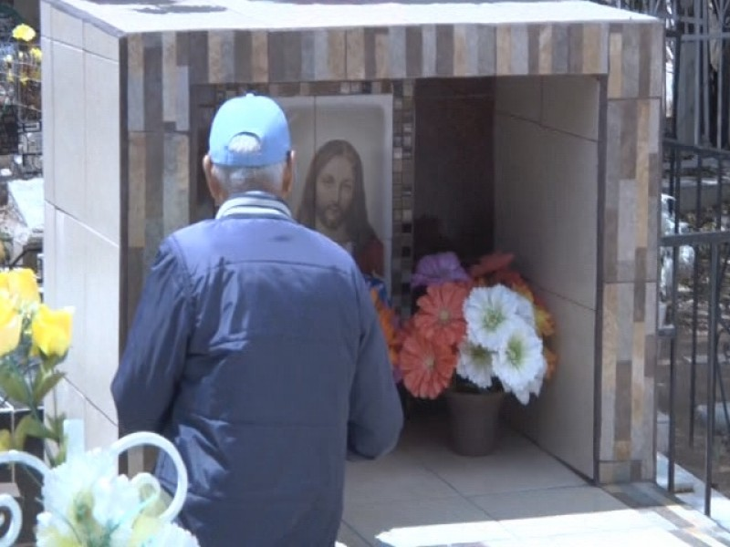Solicitan no asistir a cementerios el día de las madres