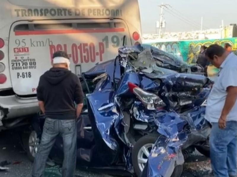 Solo daños materiales en accidente de Transporte Qrobús