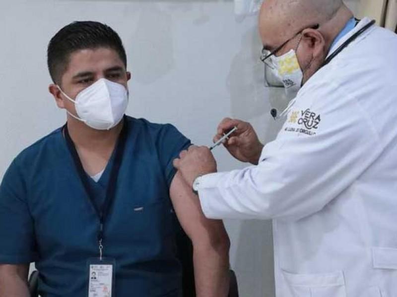 Solo dos casos graves por reacción a vacuna en Veracruz