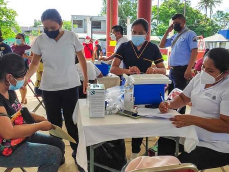 Sólo el 50% de dosis recibidas se aplicaron en Tehuantepec