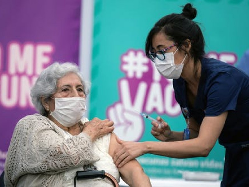 Sonora recibe vacunas de Covid-19 para adultos mayores