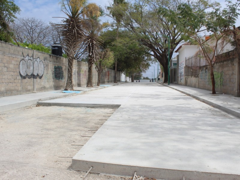 SOP realiza pavimentación en Plan de Ayala