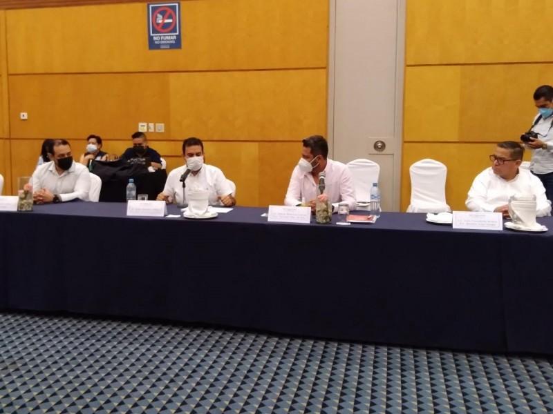 Sostienen primer encuentro, Secretario de Turismo y hoteleros de Ixtapa-Zihuatanejo