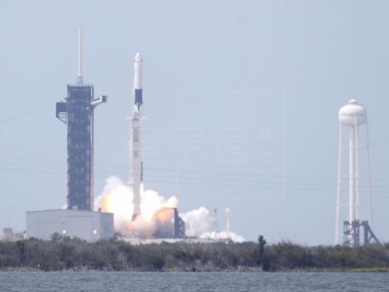 SpaceX envía exitosamente satélite espía en última misión de 2020
