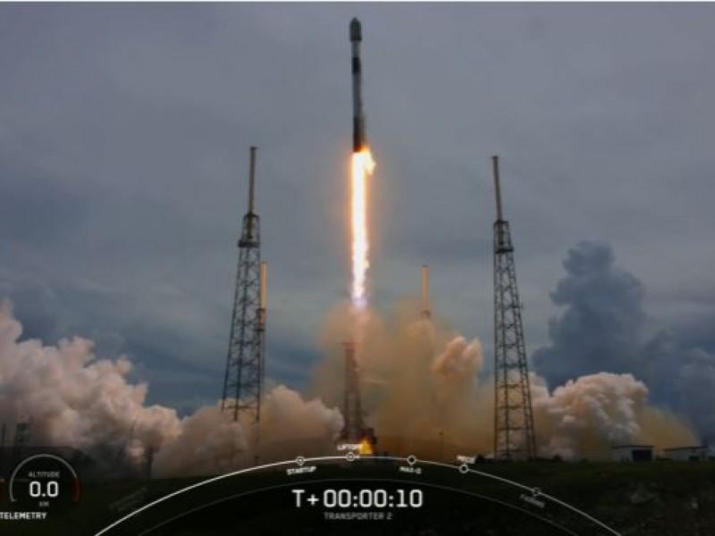 SpaceX lanza con éxito satélite mexicano al espacio