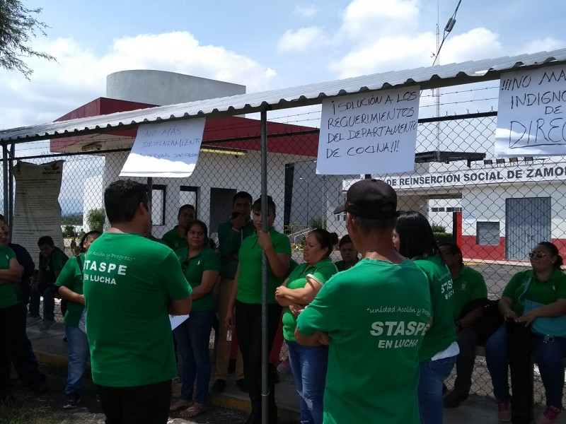 STASPE toma oficinas del CERESO en Zamora