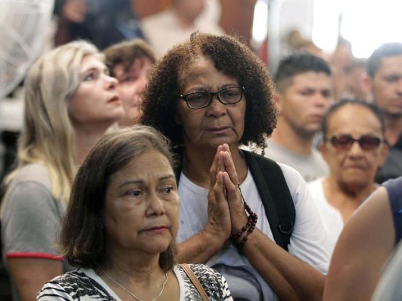 Sube a seis muertos por tiroteo en Brasil
