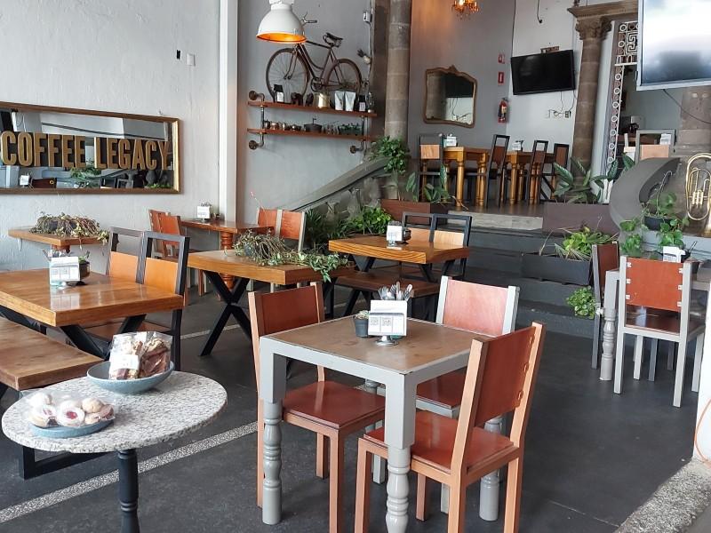Suben ventas de restauranteros; ven lejana la recuperación