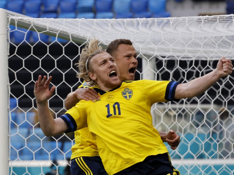 Suecia se pone líder de grupo venciendo a Eslovaquia