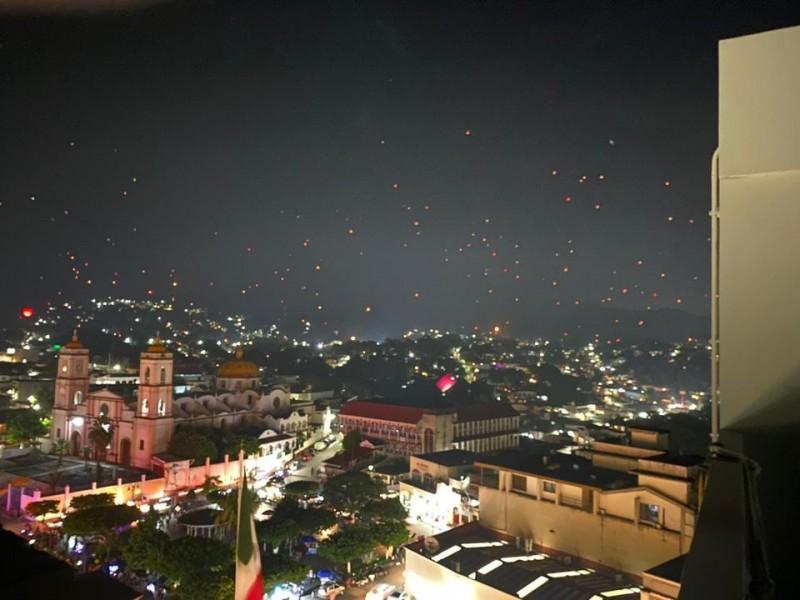Suelta masiva de globos en San Andrés Tuxtla